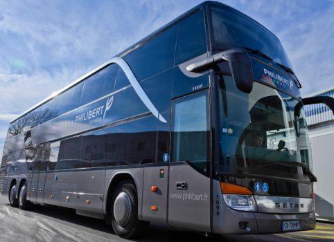 GRAND TOURISME DOUBLE ÉTAGE : 85 PERS