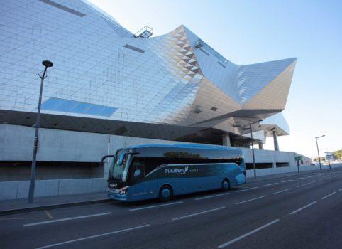 GRAND TOURISME : 46 À 53 PERS